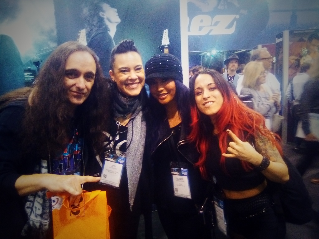 L-R: some guitarist, Jen Majura (Evanescence), Debbie Pearl and Rachel G!