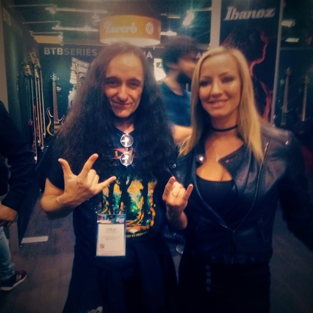 The super-cool Nita Strauss (Alice Cooper); both repping Ibanez!